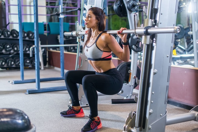 smith machine squat vs barbell squat