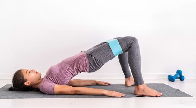 hip thrust using booty resistance band